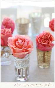 single bud vases for a wedding centerpiece