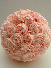 diy kissing ball in pale pink roses