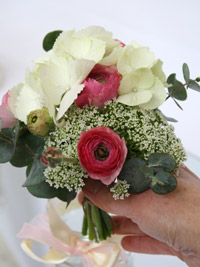 flower posies for a diy wedding centerpiece