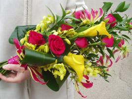 a sheaf bouquet as a diy wedding bouquet idea