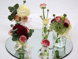 a low wedding centerpiece for a vintage wedding theme