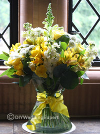 low wedding centerpieces for a yellow wedding theme
